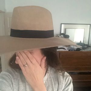 Lack of Color large brim hat